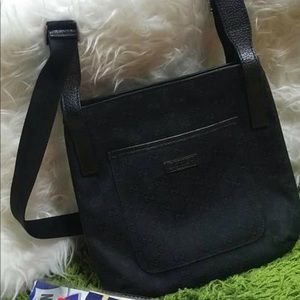 Authentic Gucci Sling black in Perfect Condition